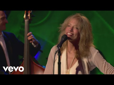 Carly Simon - I've Got You Under My Skin (Live On The Queen Mary 2)