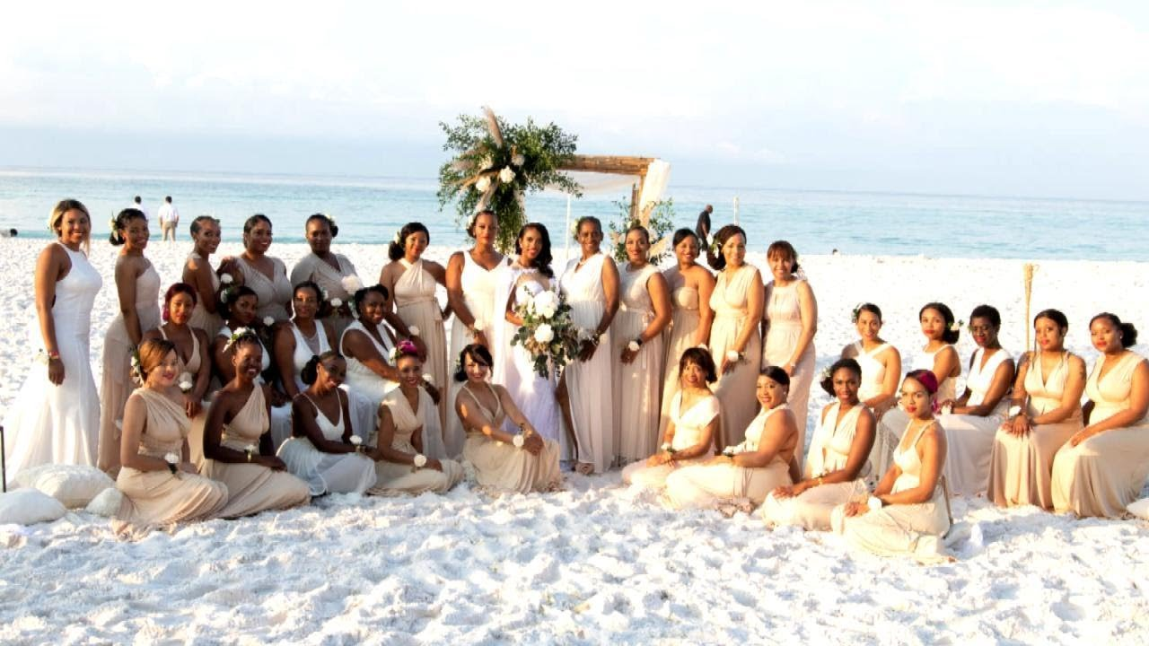 This Woman Had 34 Bridesmaids in Her Wedding