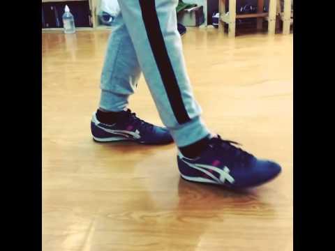 asics tiger on feet