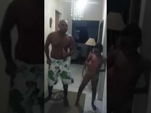 Tá Gordinho Ta Engordavel Vai Desce Franguinho  Com Quiabo