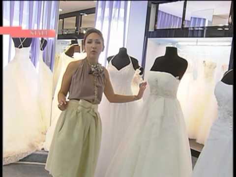«Очень вульгарно» Елена Ваенга вместо свадебного платья надела пеньюар без лифчика