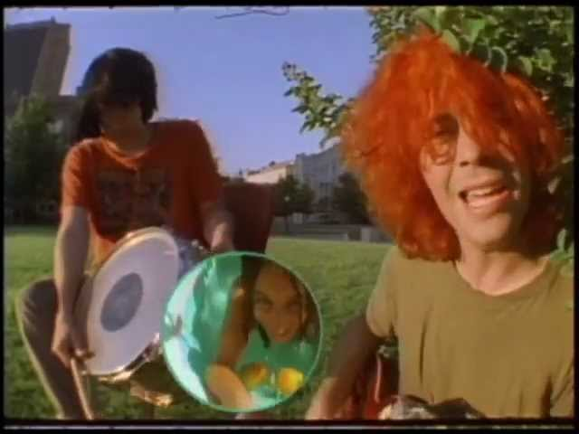 the-flaming-lips-she-dont-use-jelly-official-music-video-flaminglips