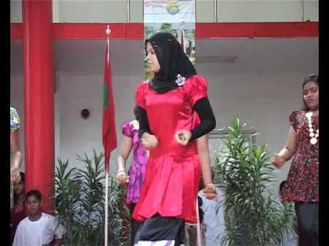 Iskandhar Children Dancing