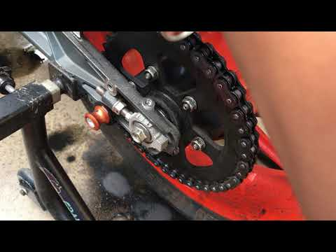 KTM || RC 390 || Maintenance || Chain Cleaning and Lubricating