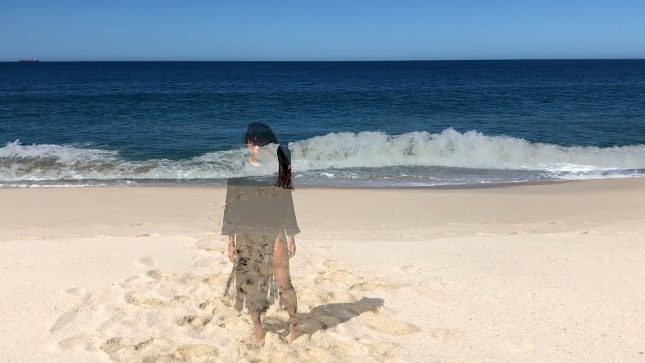 Saiu o clipe oficial de Saudade do Mar, com Elisa Gudin