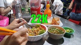 Ăn HỦ TIẾU TRỘN chợ Hoa Hồ Thị Kỷ ngắm người ngoại quốc đi chơi     Guide Saigon Food