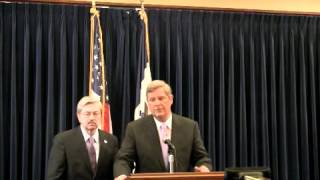 Gov. Branstad and U.S. Ag Sec. Tom Vilsack hold joint press conference on beef safety