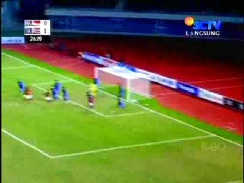 Kaki Pemain Thailand Hampir Patah di Final Sepak Bola Sea ...