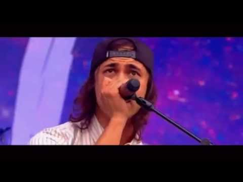 Pierce The Veil - Hold On Till May (Live Reading Festival 2015)