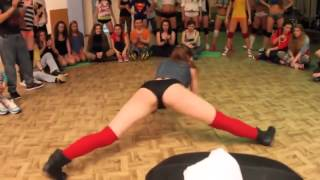 Russian Twerk Battle