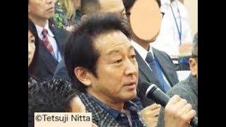 大阪府知事選への出馬を見送った俳優の辰巳琢郎が11日、都内の自宅か...