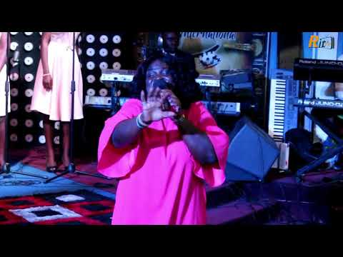 SANDRA AFREH_LIVE @ HE TOUCHED ME CONCERT_BREAKING THE ALABASTER BOX
