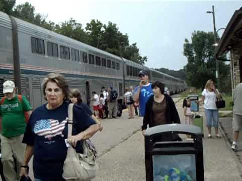 Amtrak 7 at Wisconsin Dells 7/19/10 - YouTube