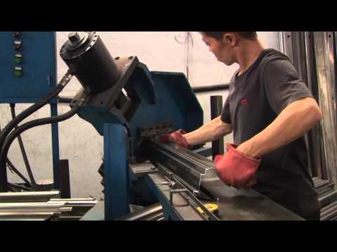 линия для производства стальных дверей