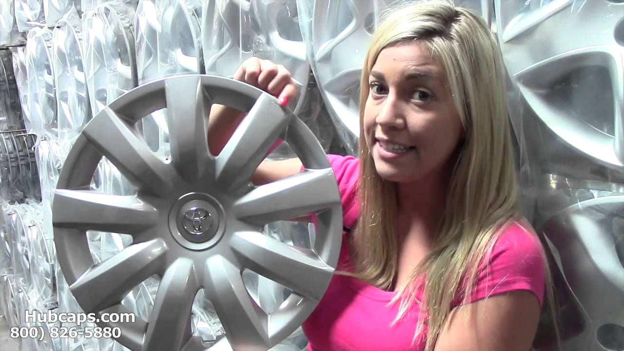 Flawed Edge 61136 Toyota Camry Hubcap Hubcaps Com Youtube