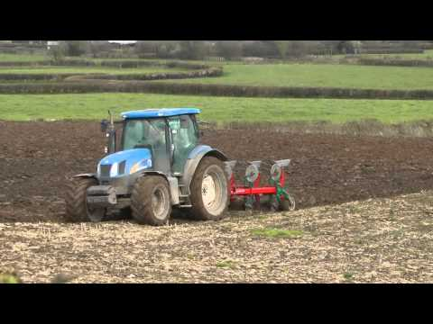 Ploughing With New Holland T6030