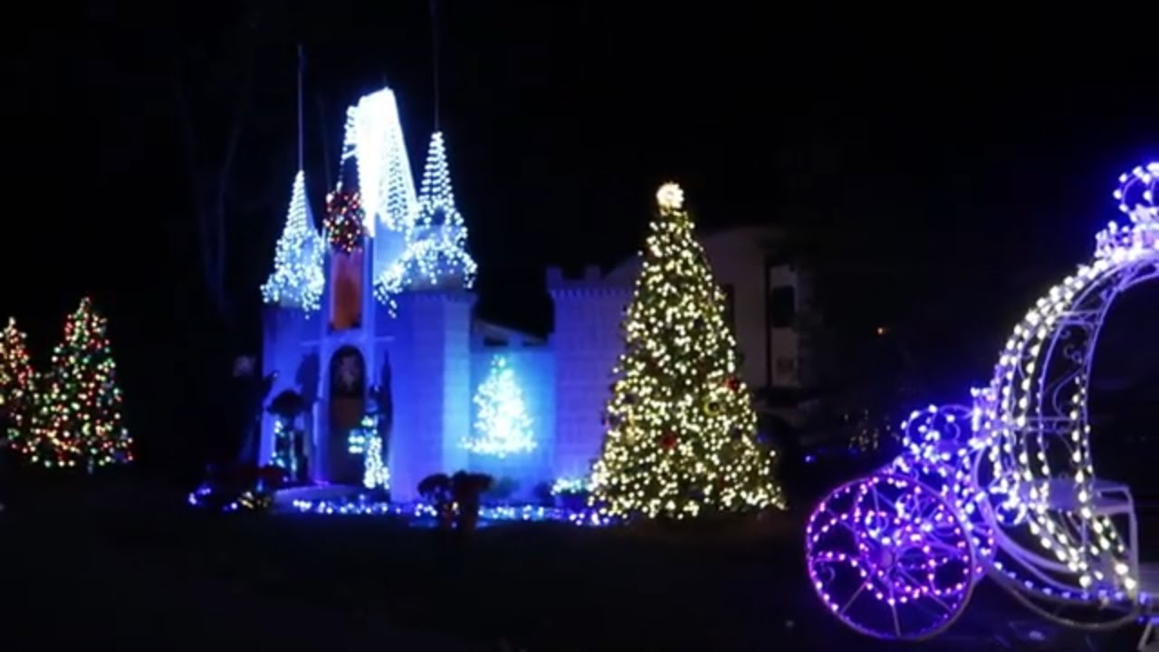 Disney's Fort Wilderness Campgrounds Christmas Decorations ...