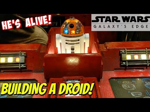 BUILDING A ASTROMECH DROID ! AT DROID DEPOT STAR WARS GALAXY'S EDGE 2019