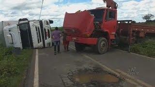 Estrada do Melão entre Quixeré e Divisa com Rio Grande do Norte esta destruída