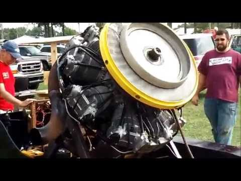 radial engine (Curtiss-Wright Cyclone 7) Start-up/Running