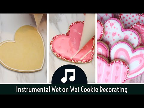 wet-on-wet-royal-icing-heart-cookies-for-valentine's-day---soothing-instrumental-cookie-decorating