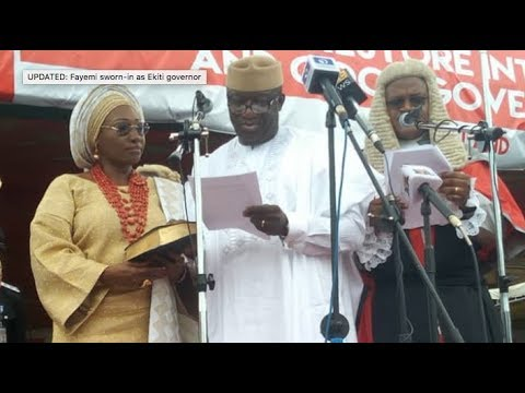 Video: Adewale Ayuba Live in grand style at the inauguration of Governor Fayemi & 1st Lady of Ekiti