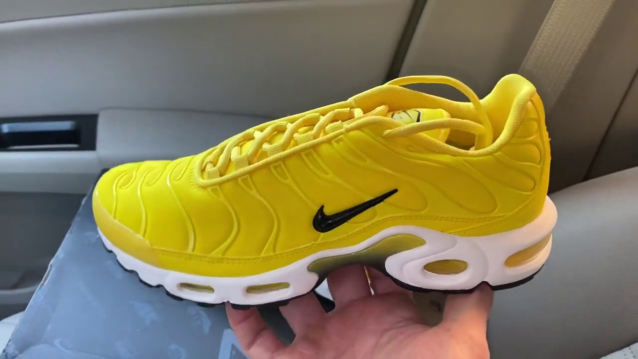 Nike Air Max Plus TN Chrome Yellow womens sneakers