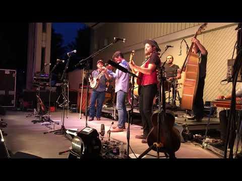Old Crow Medicine Show- Wagon Wheel (Live - HD) Galax, VA - August, 27 2017