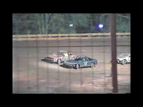 Flomaton Speedway: Nov 11, 04 Stinger Feature Race