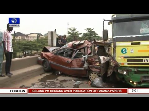Petrol Truck Crush 3 Cars On Lagos Ibadan Express
