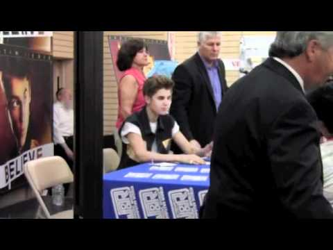 Justin Bieber J&R Album Signing Event - June 19