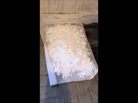 quickly-remove-vinyl-tile-using-dry-ice