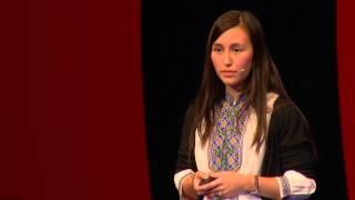 Ein zweiter Blick auf Flüchtlingshelfer | Zulayat Suli Kurban | TEDxMünchen