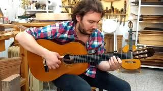 Vídeo 4. José Tomás tocando guitarra de Palo Santo de Amazonas