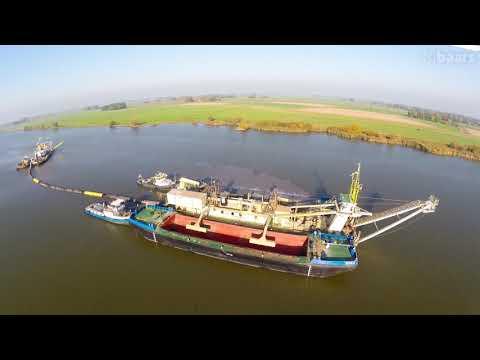 880 m3 split hopper barge Kampen