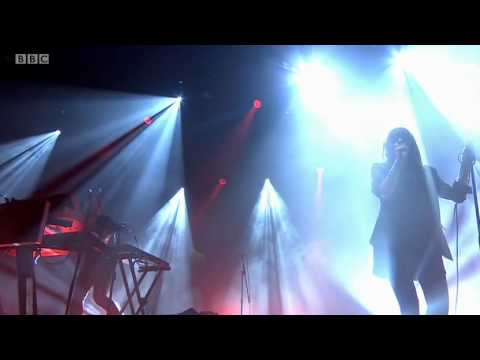 Chvrches on the R1 / NME Stage (Reading and Leeds Festival 2014)