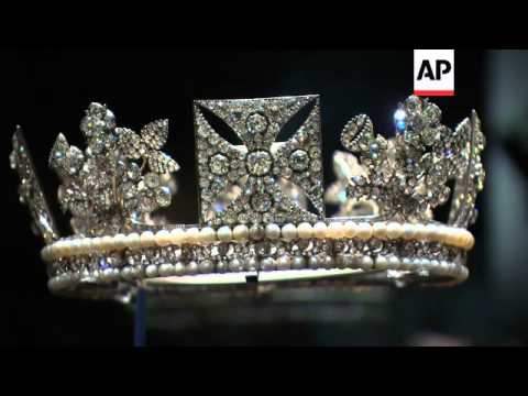 Royal diamonds go on public display at Palace to celebrate Queen's 60-year reign