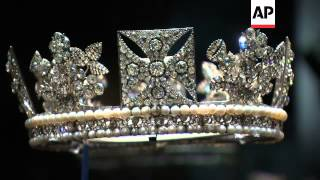 Royal diamonds go on public display at Palace to celebrate Queen