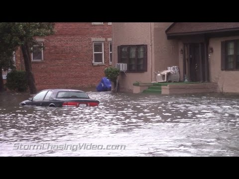 Amazing Street Flooding and Storm Surge footage from Portsmouth, VA - 10/2/2015