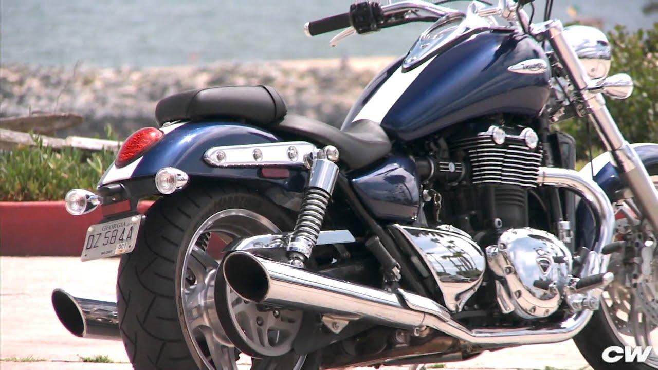 2010 Triumph Thunderbird: Cycle World Magazine's Best Cruiser - YouTube