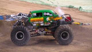 Monster Jam Freestyle, Max D, Martial Law, Grave Digger, Avenger, Jan, 23rd, 2010 Metrodome.