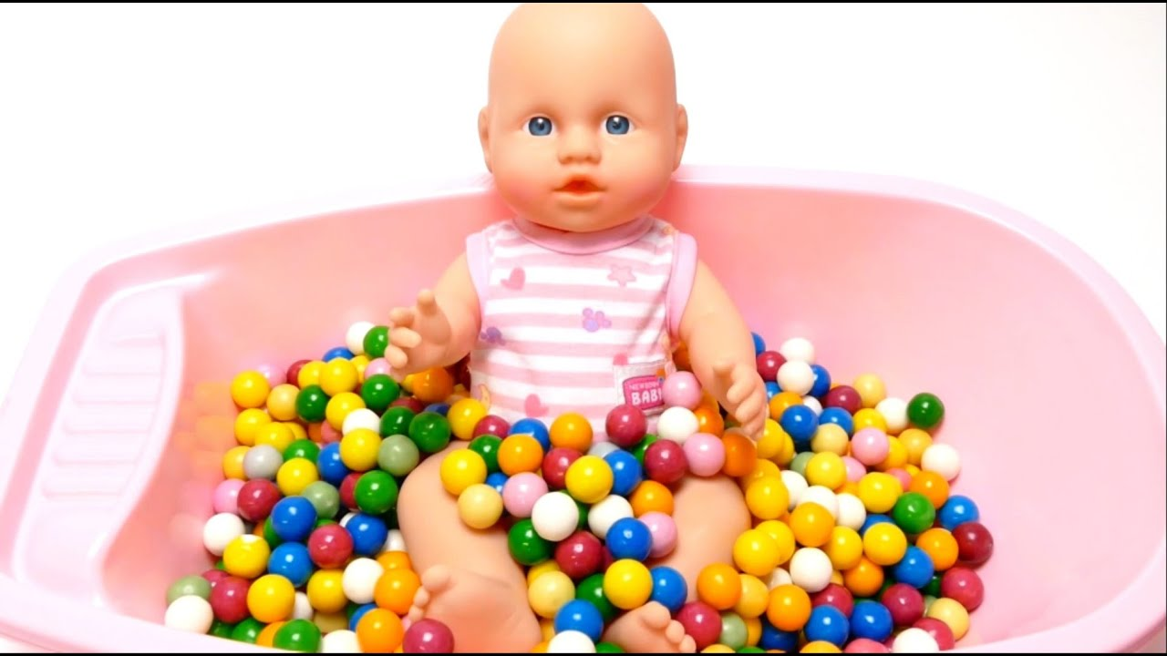 Baby Doll Bath Time in Dubble Bubble Gumballs Bathtub