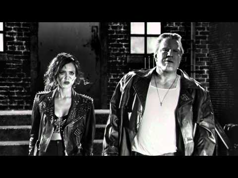 Frank Miller's Sin City: A Dame To Kill For - Nancy, Marv & Bikers - Dimension Films