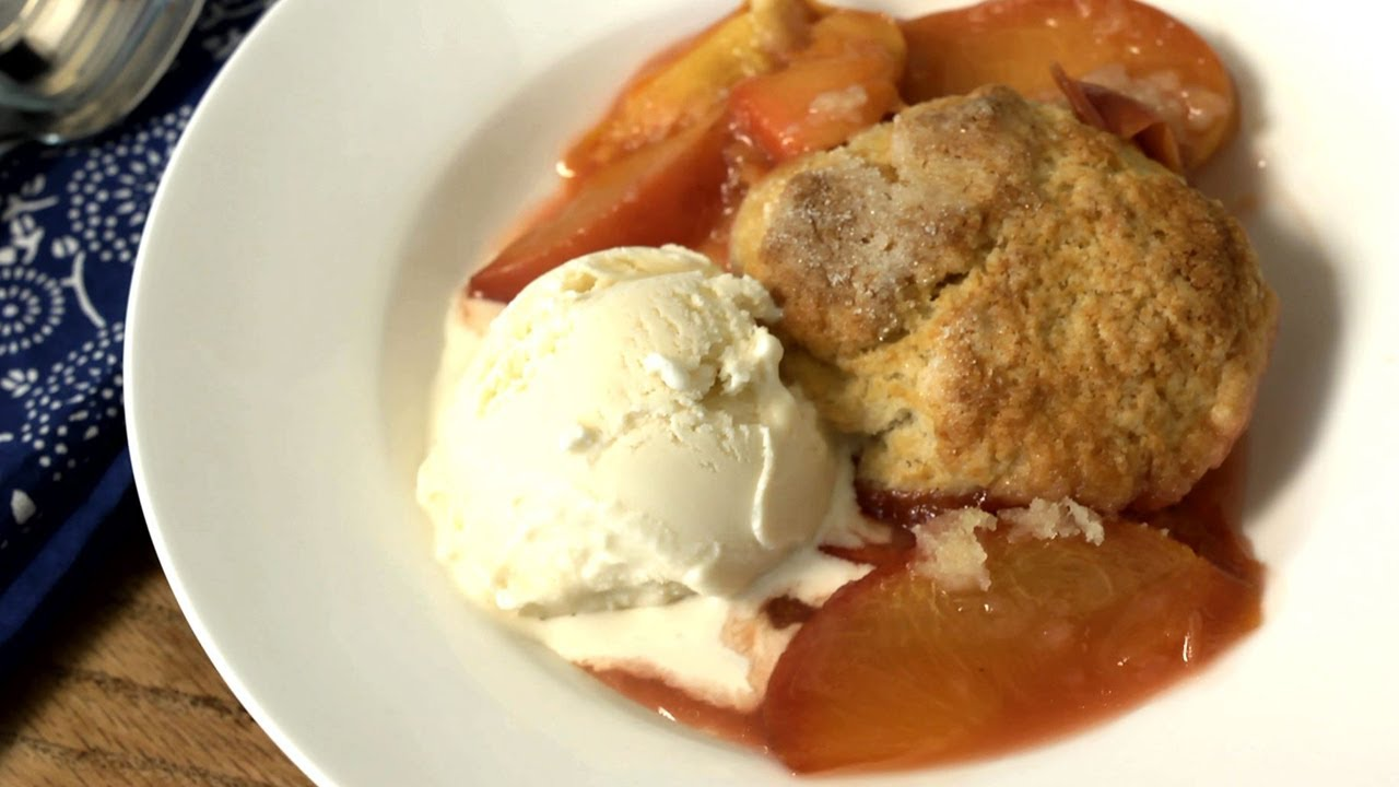 How to Make Easy Peach Cobbler - The Easiest Way