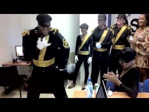 Delmati contra los bailarines de michael jackson