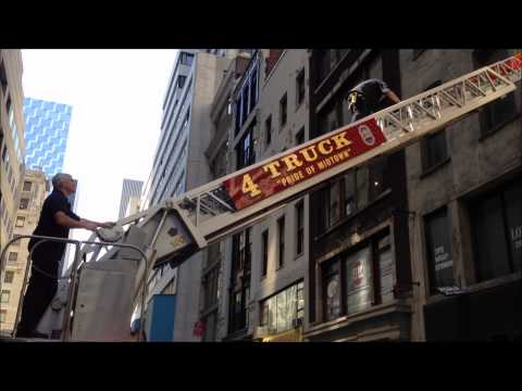 FDNY LADDER 4 CONDUCTING A SERIOUS BUILDING INSPECTION ON EAST 47TH ST. & MADISON AVE. IN MANHATTAN.