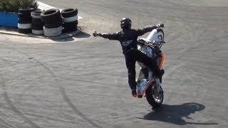 Car stunt show, Italy 2013 1/3  - Классные трюки на мотоциклах.
