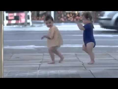 Lustige Video zum totlachen.