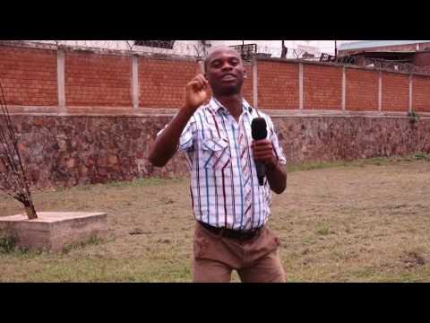 Voici Koffi Olomide du Burundi...Ildephonse comedien imite la voix de Koffi Olomide
