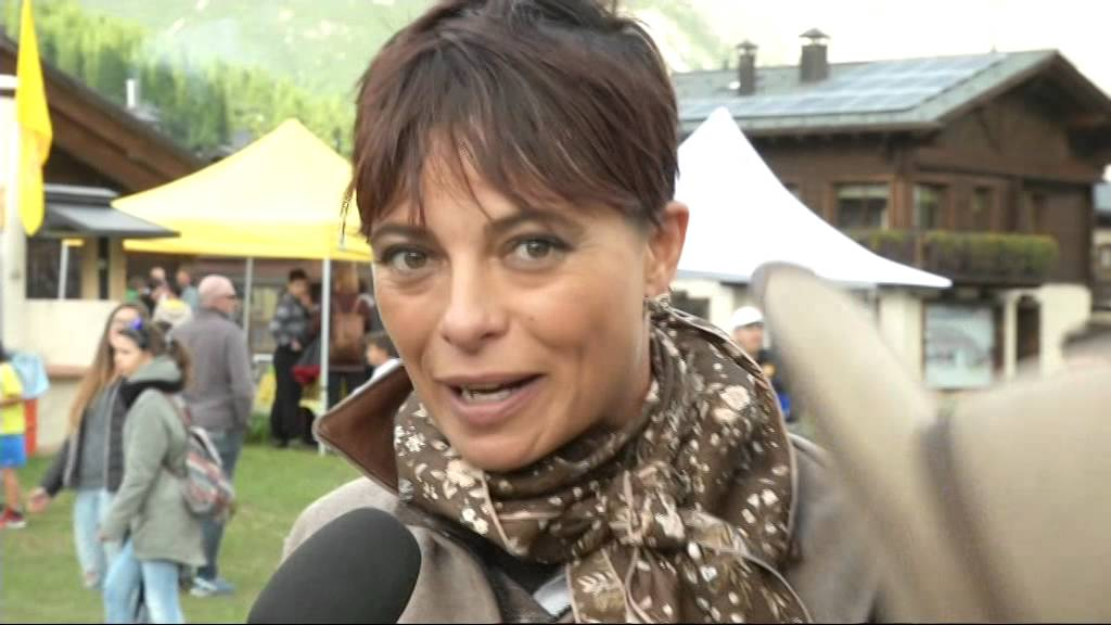 Natalia Estrada Calendario.Natalia Estrada Ospite Ad Alpen Fest